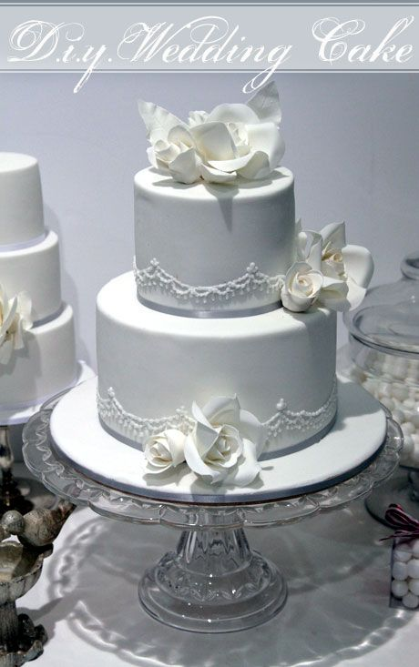 2 tier wedding cakes silver how to make a two tier wedding cake with cahill 10169