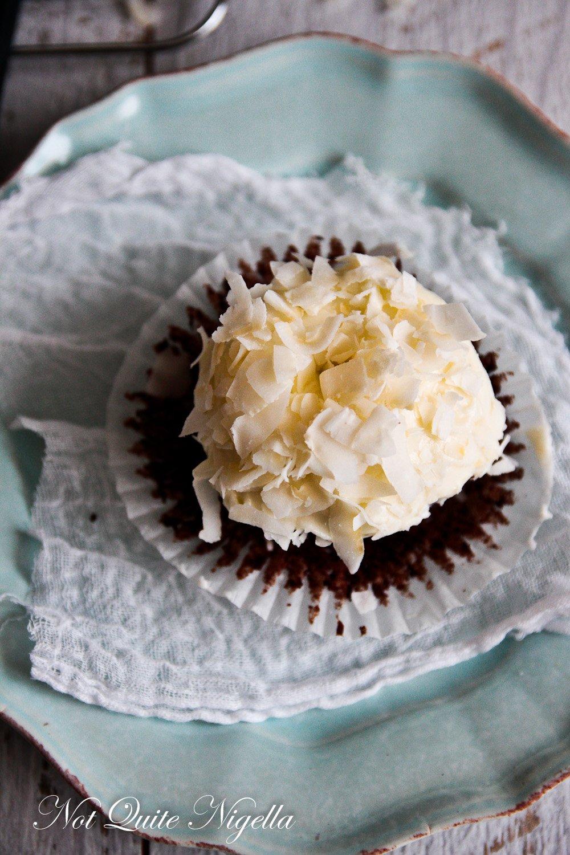 Chocolate Hummingbird Cupcakes