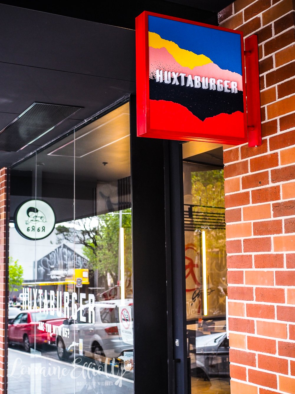 Huxtaburger, Redfern