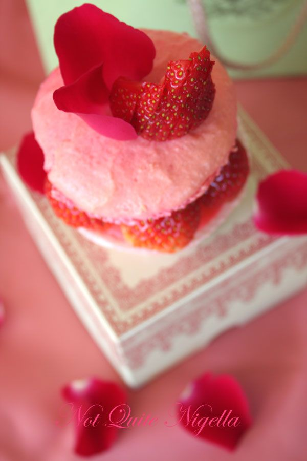 Ispahan cupcake