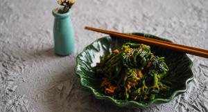 Green Power: Japanese Sesame Spinach Gomaae Salad