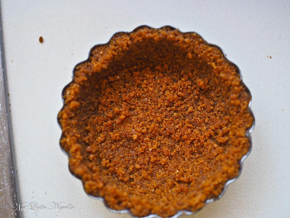 Key Lime Pavlova Pie