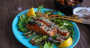 Korean Gochujang Glazed Grilled Salmon & Potatoes!