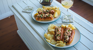 The BEST CLASSIC Lobster Roll!