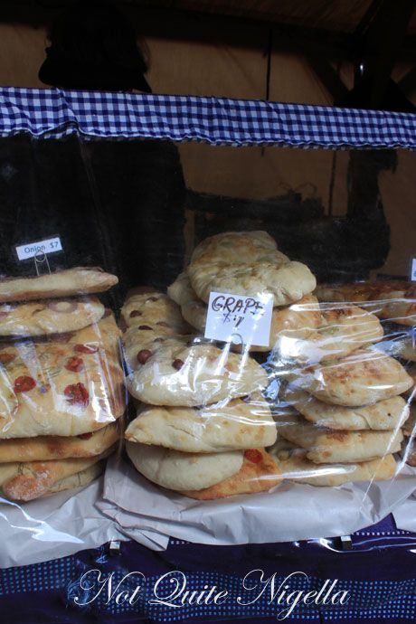 matakana farmers market, new zealand, bread