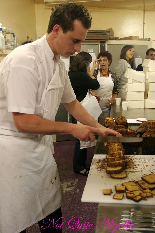 Adriano Zumbo Cooking classes slicing cake