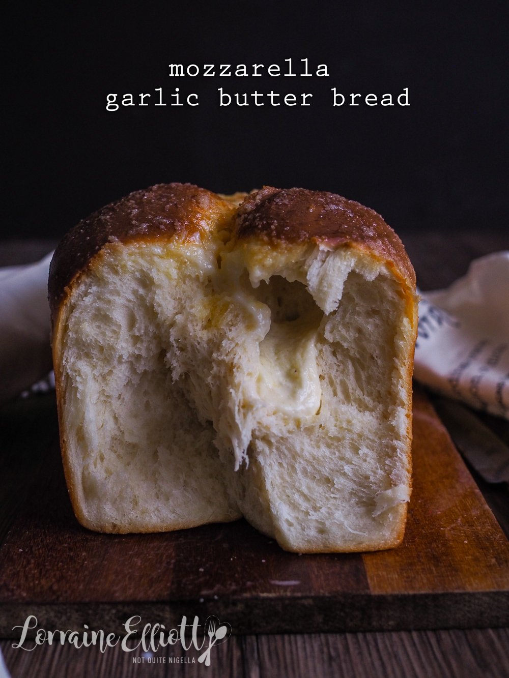 Mozzarella & Garlic Butter Bread
