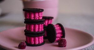 Chill Out With Oreo Raspberry White Chocolate Ice Cream Sandwiches