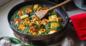 Palak Paneer Spinach & Cheese Curry (Made With Halloumi!)