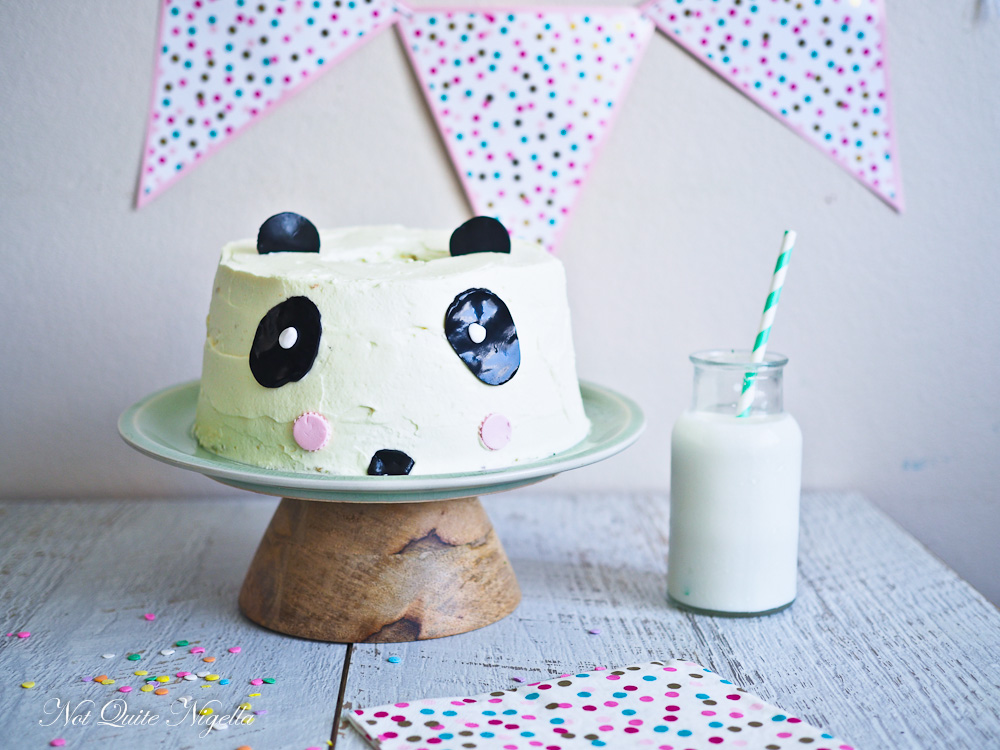 Pandan Chiffon Cake Decorate