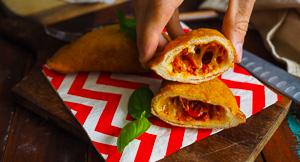 DELICIOUS Panzerotti Pizza Pockets