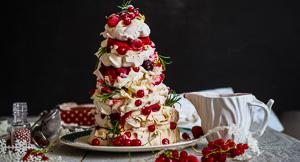 Festive-Us! A Christmas Tree Pavlova