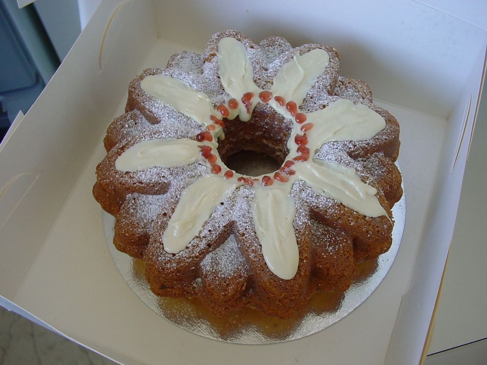 Perennial Lemon cake