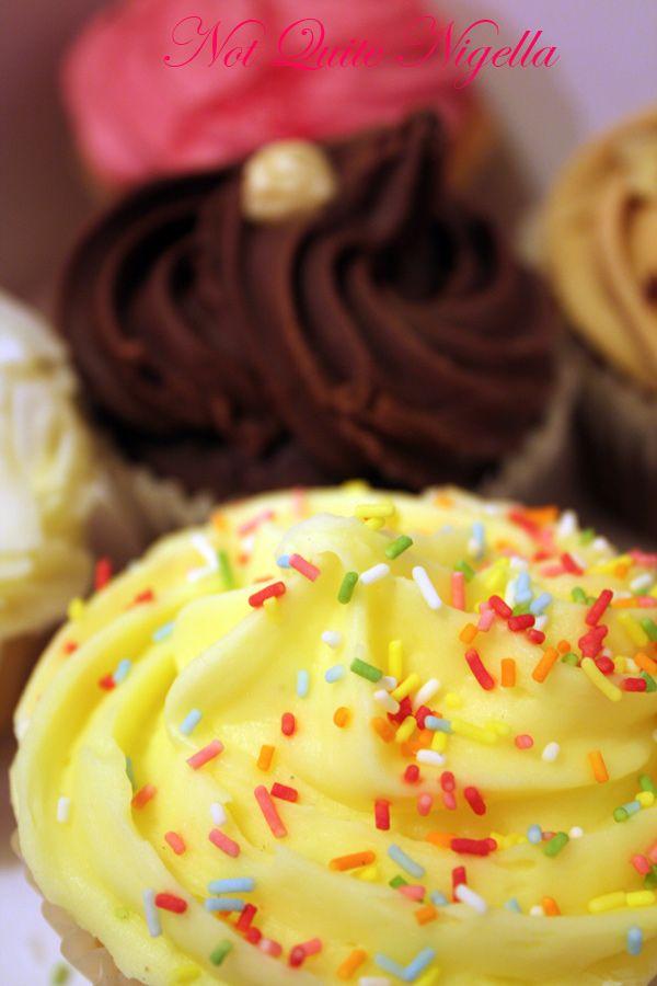 Peyton & Byrne cupcakes-a very British Bakery