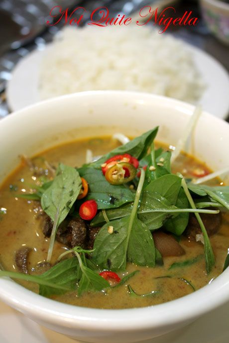 pho golden kingsford goat curry