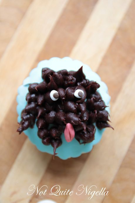 puppy dog pug french bulldog poodle cupcakes