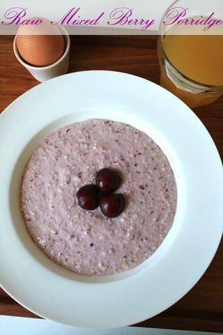 raw mixed berry porridge 3