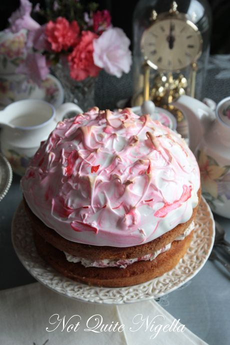rhubarb meringue cake recipe