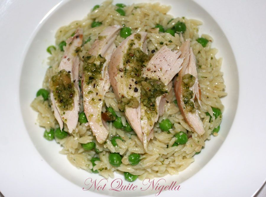 Risoni with chicken, pesto and peas