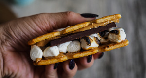 More S'mores! Peanut Butter & Honey Ritz Cracker S'mores