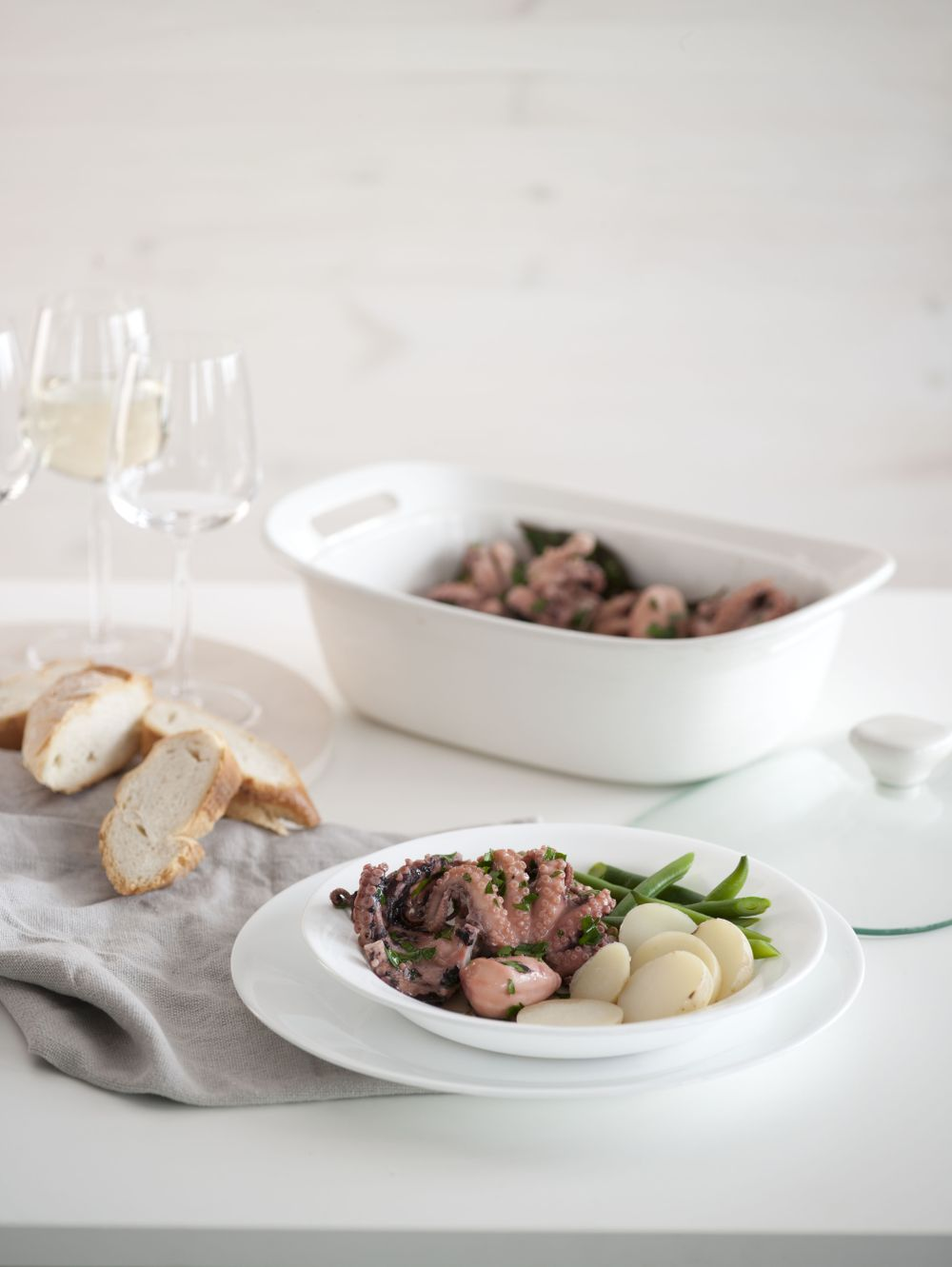 Slow Cooked Octopus with White Wine and Herb 4