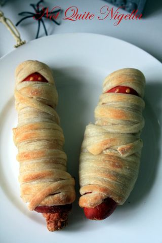 mummy hot dogs 1