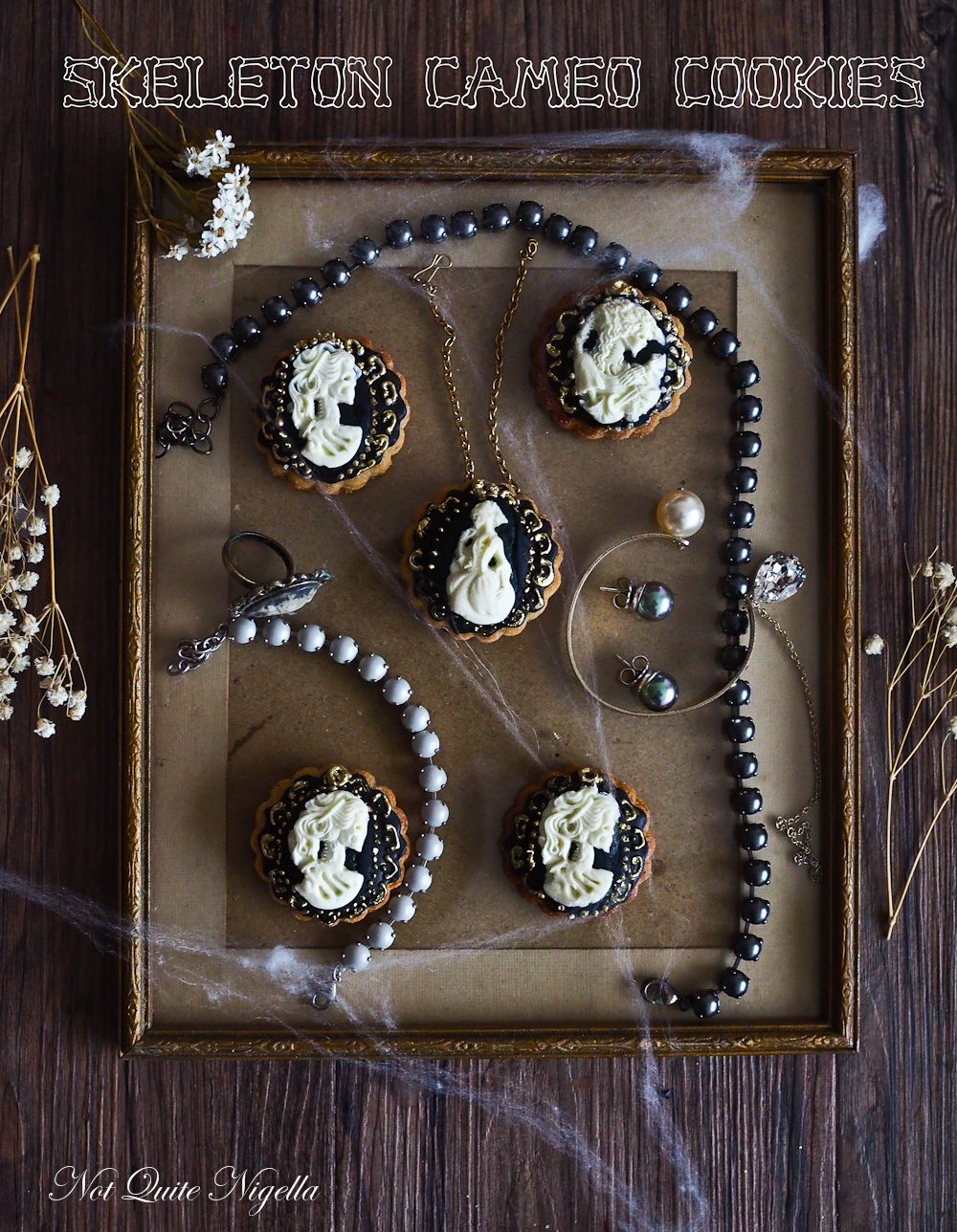 Cameo Skeleton Cookies