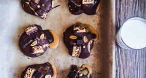 Crunchy, Gooey & Rich Snickers Cookies!
