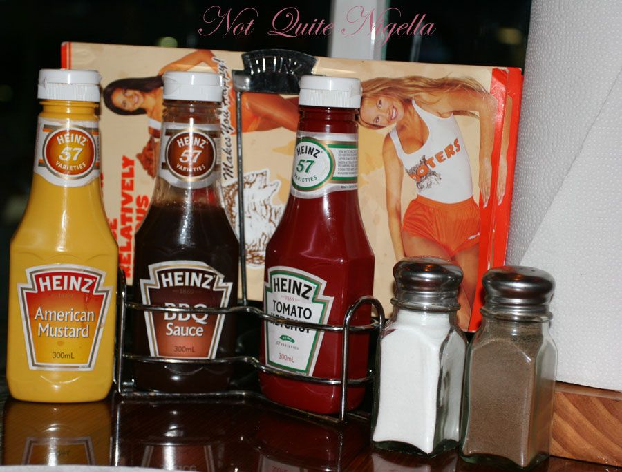 Hooters-sauces and paper towels