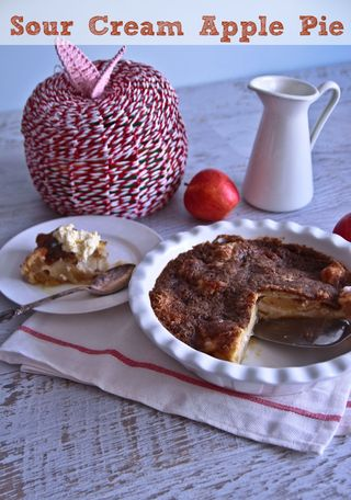 scandinavian sour cream apple pie