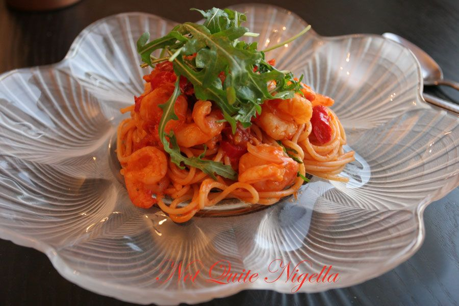 Spaghetti with prawns, chili and tomatoes
