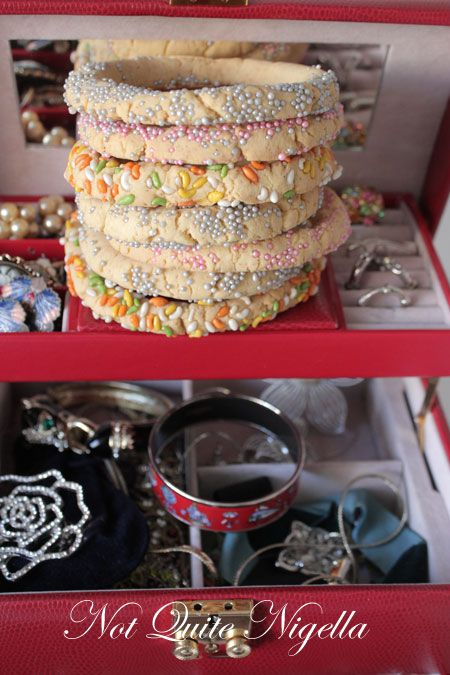 bracelet cookie recipe, Kaak bel-Haleeb recipe