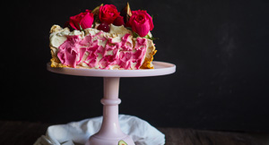 A Square Gift Pavlova For Mother's Day!