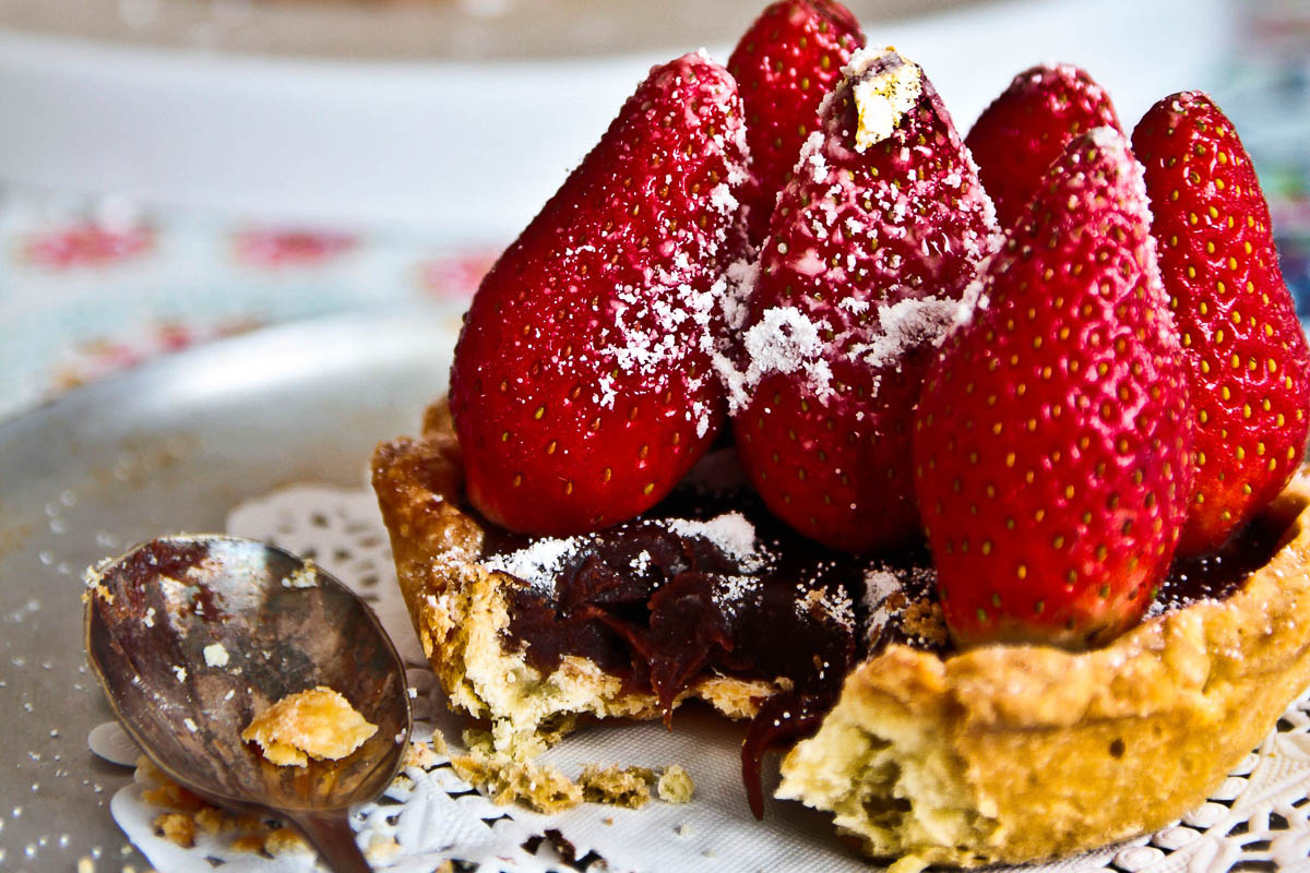 Strawberry & Chocolate Salted Caramel Tart Recipe @ Not Quite Nigella
