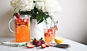 "A Refreshingly ""Dry"" Drink - Strawberry Citrusade!"