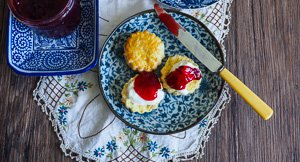 Jamming With Aplomb: Old Fashioned European Style Sugar Plum Jam