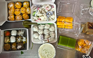 9 Bangkok Sweets (Modern & Traditional) That You Must Try!