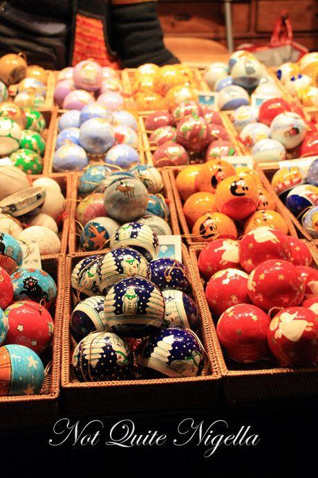schoenbrunn palace christmas markets baubles