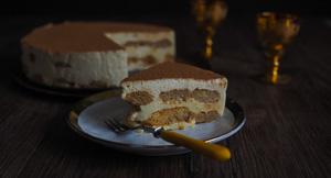 CREAMY Tiramisu Cheesecake!