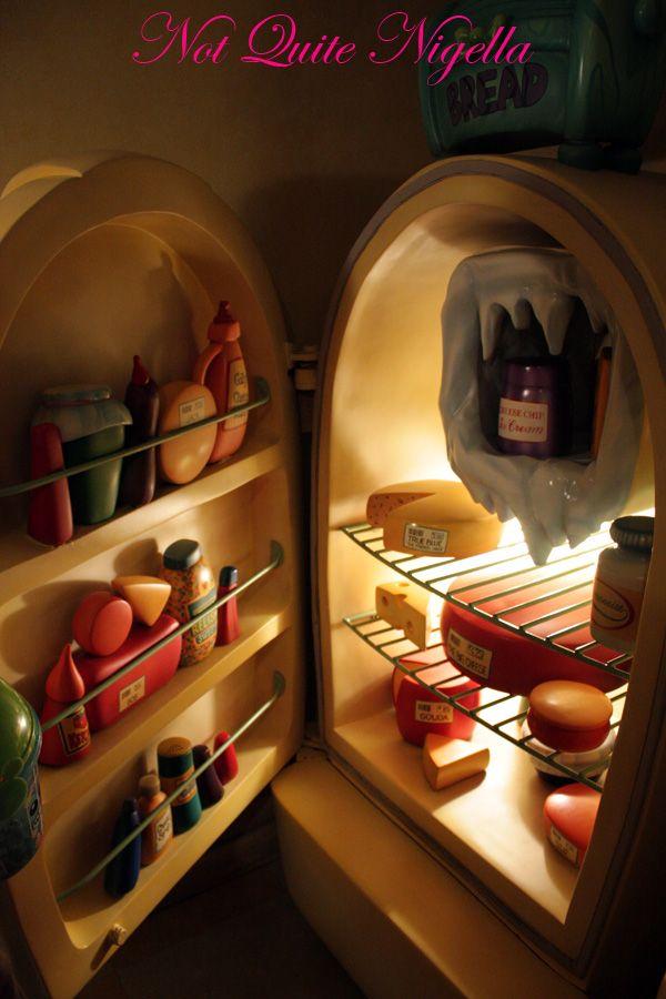 Tokyo Disneyland Minnies fridge