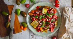 Di-Vine Tomato & Strawberry Salad