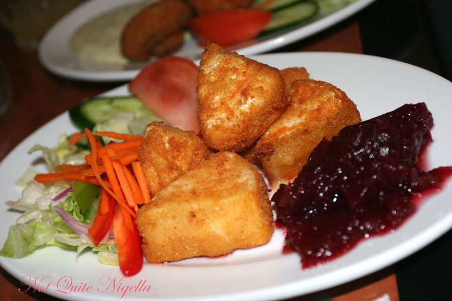 Una's at Double Bay deep fried camembert