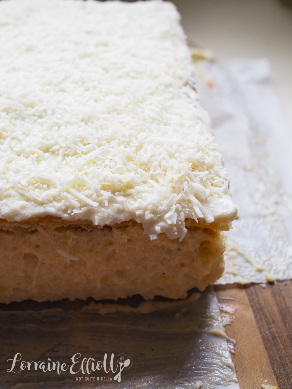 Best Fluffy Vanilla Slice