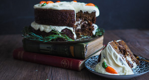 """MOIST Vegan Carrot Cake With """"Cream Cheese"""" Frosting"""