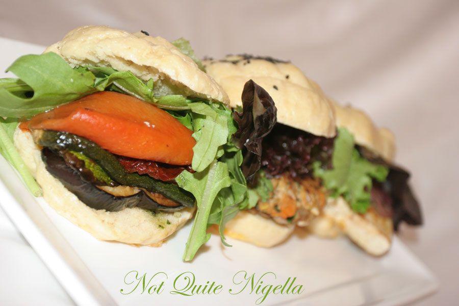 Vegetarian burger blindfold taste-test