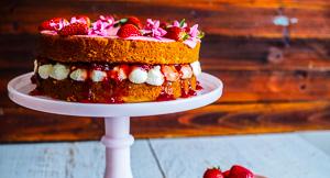 Cake Dreams: A Strawberries & Cream Victoria Sponge Cake