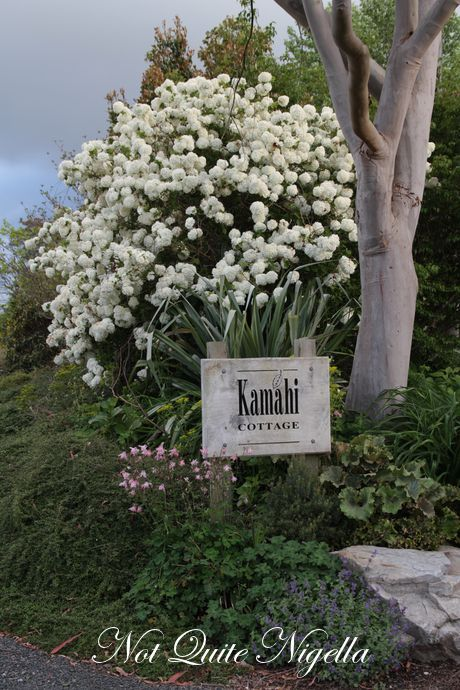 waitomo kamahi cottage new zealand