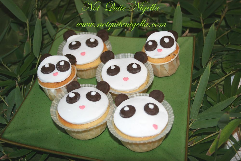 Panda Vanilla, Sesame & Green Tea cupcakes wallpaper