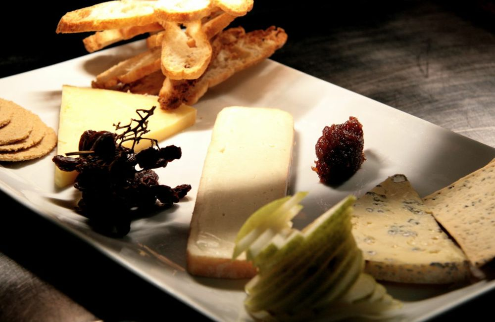 Win a Father's Day Ploughman's Lunch for 3 at The Victoria Room!