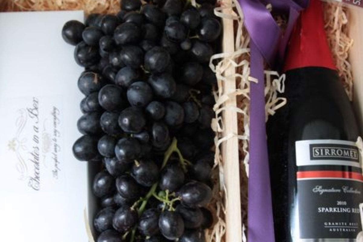 Win 1 Of 5 Sable Seedless Grape Chocolate Amp Red Wine